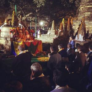 Last ritual facing the Bodhi tree